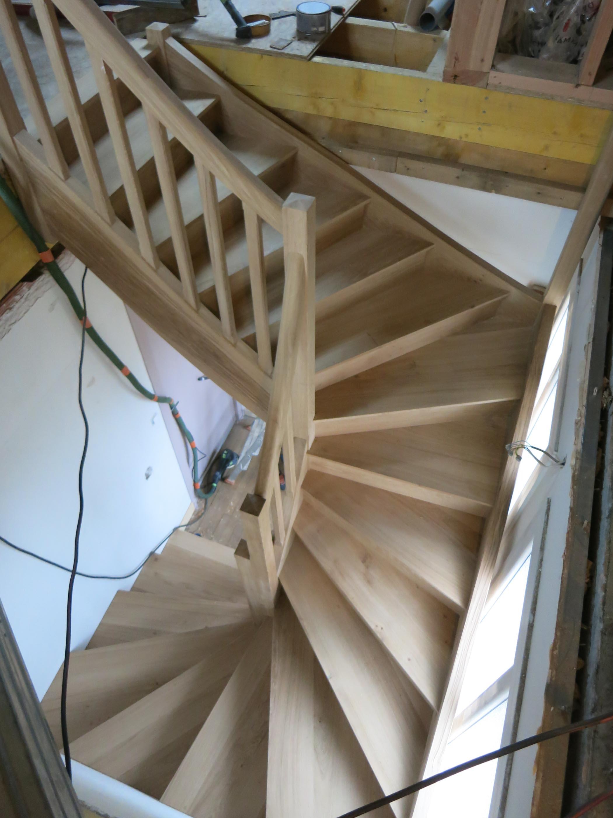 Dijon escalier en chêne trois quart tournant