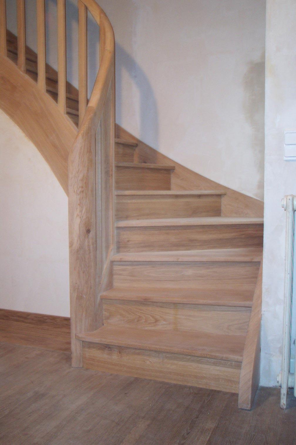 Genlis escalier chêne un quart tournant