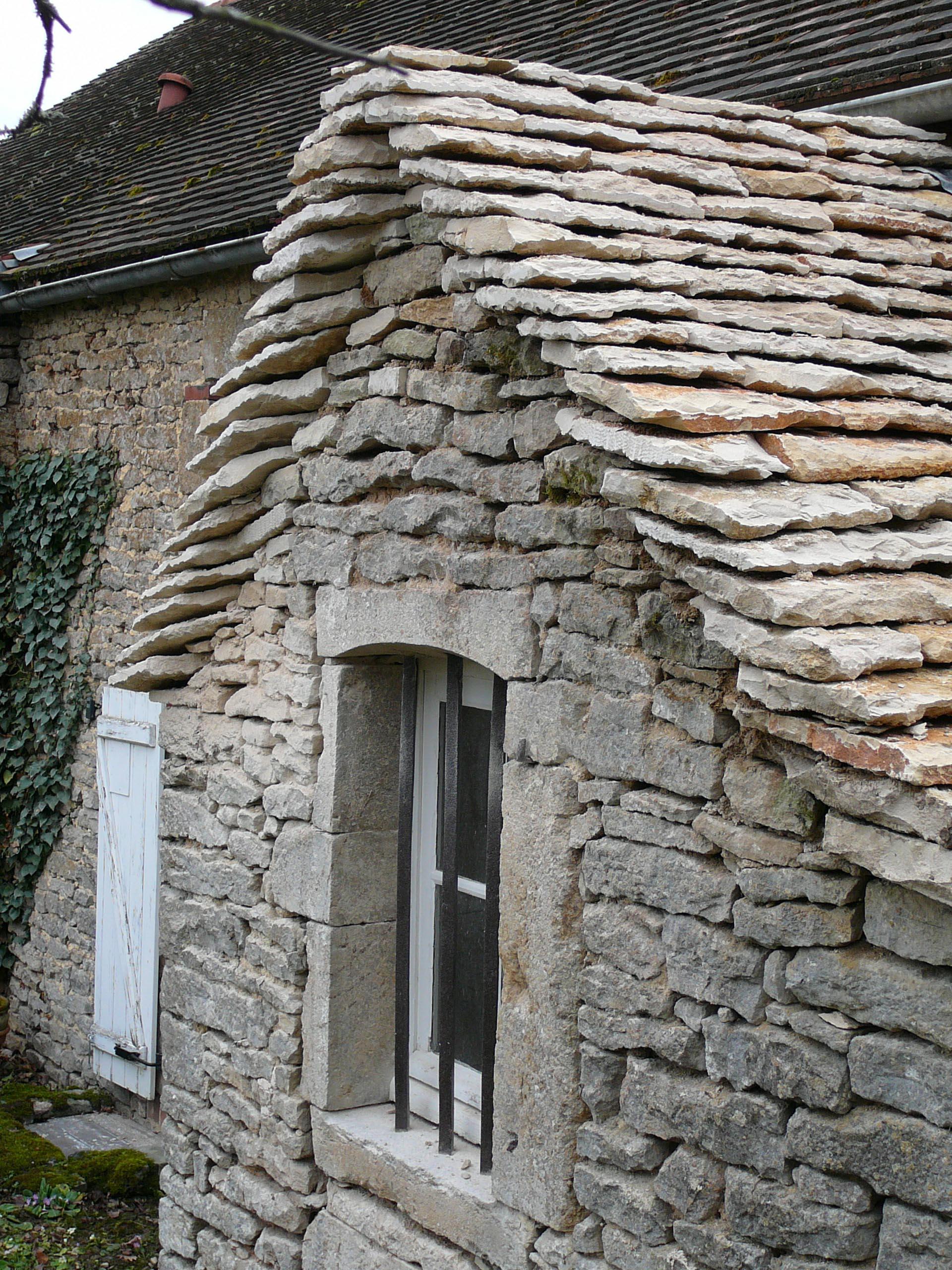 Maison Ste colombe en Auxois Couverture en laves